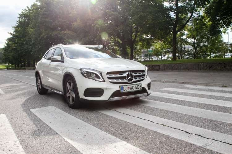Mercedes Benz GLA 220 d 4Matic