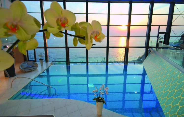 Panorama pool - sunset Paradise Spa.jpg