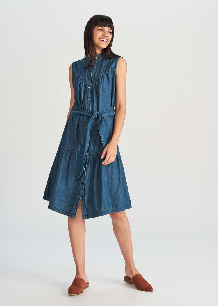 reserved denim dress 300 hrk.jpg
