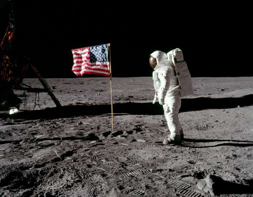 Neil Armstrong, Edwin Aldrin, Michael Collins, pristanek na luni