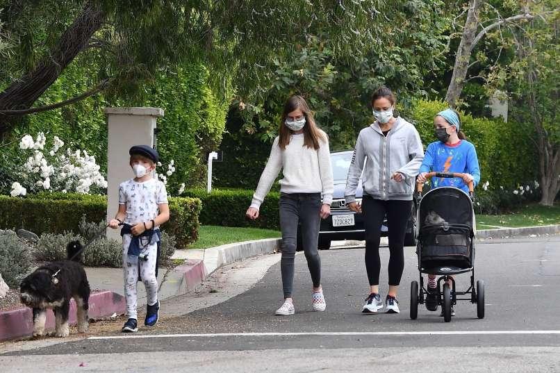 igralka Jennifer Garner otroci šolanje od doma