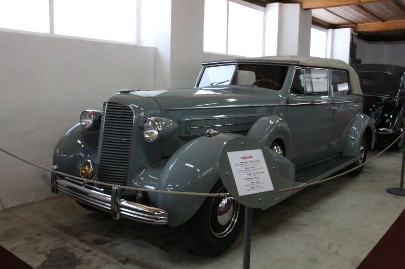 Cadillac Fleetwood Series 85 Convertible