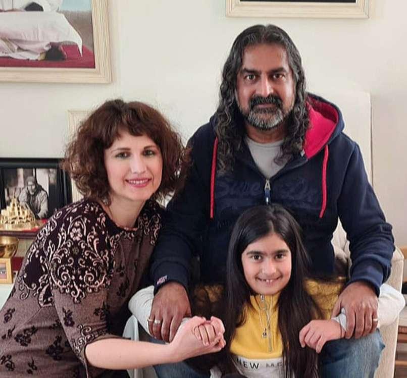 familia mohanji4
