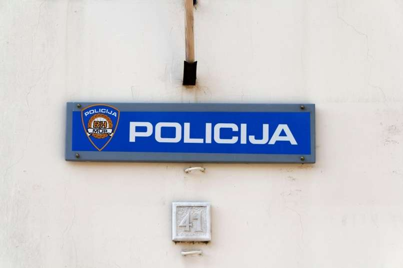Grozljiv napad, v katerem je življenje izgubil 35-letni učitelj angleščine Nino Čengić.