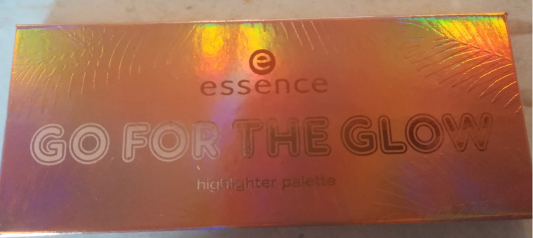 Essence Highlighter paletka
